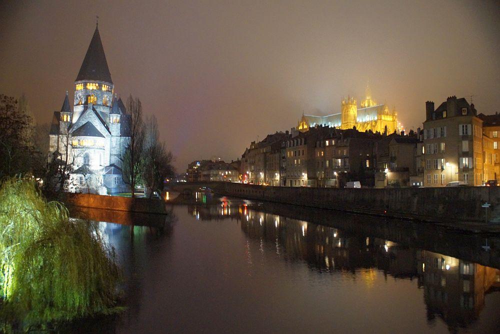 Metz - Lothringen Blick auf Kathedrale Saint Etienne und Temple Neuf