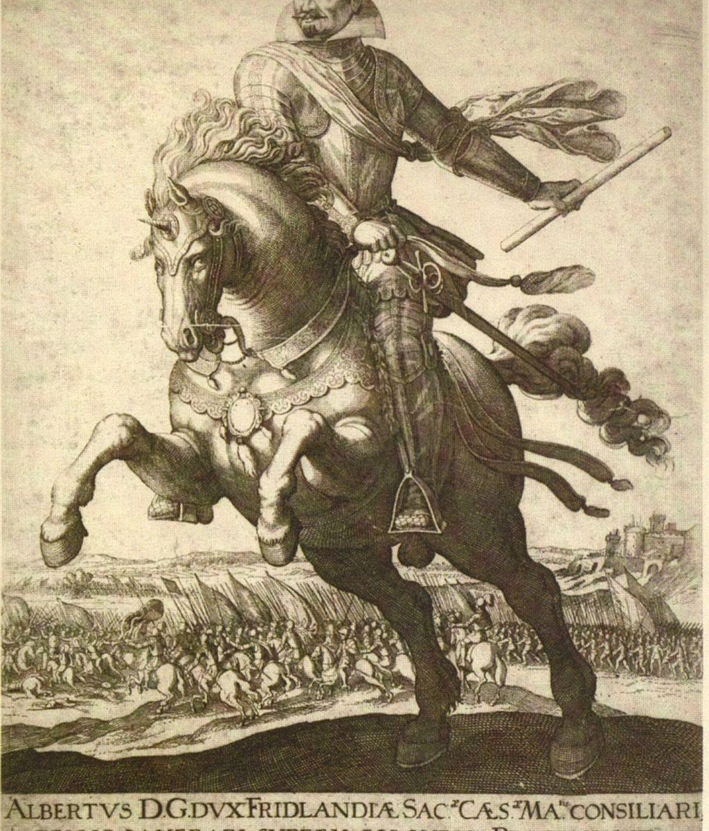 Reiterbild Wallensteins, Kupferstich ohne Jahresangabe. Plattengröße des Originals 35, 3 x 26,6 cm Inschrift (nach Auflösung der Abkürzungen): ALBERTUS DEI GRATIA DUX FRIDLANDIAE SACRAE CAESAREAE MAIESTATIS CONSILIARIUS BELLICUS, CAMERARIUS, SUPREMUS COLONELLUS PRAGENSIS ET EIUSDEM MILITIAE GENERALIS
