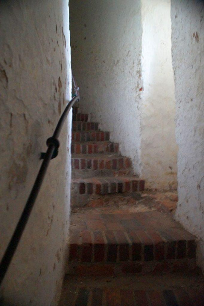 Treppe im Wehrturm von Burg Linn