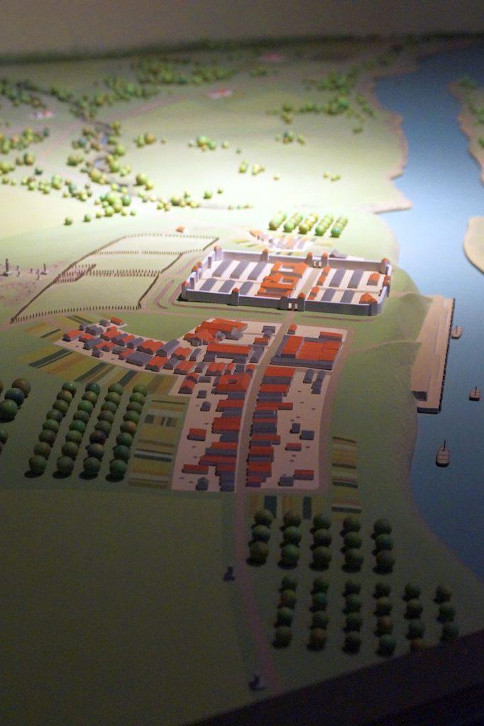 Modell des Kastells Gelduba - Krefeld Gellep im Museumszentrum Burg Linn