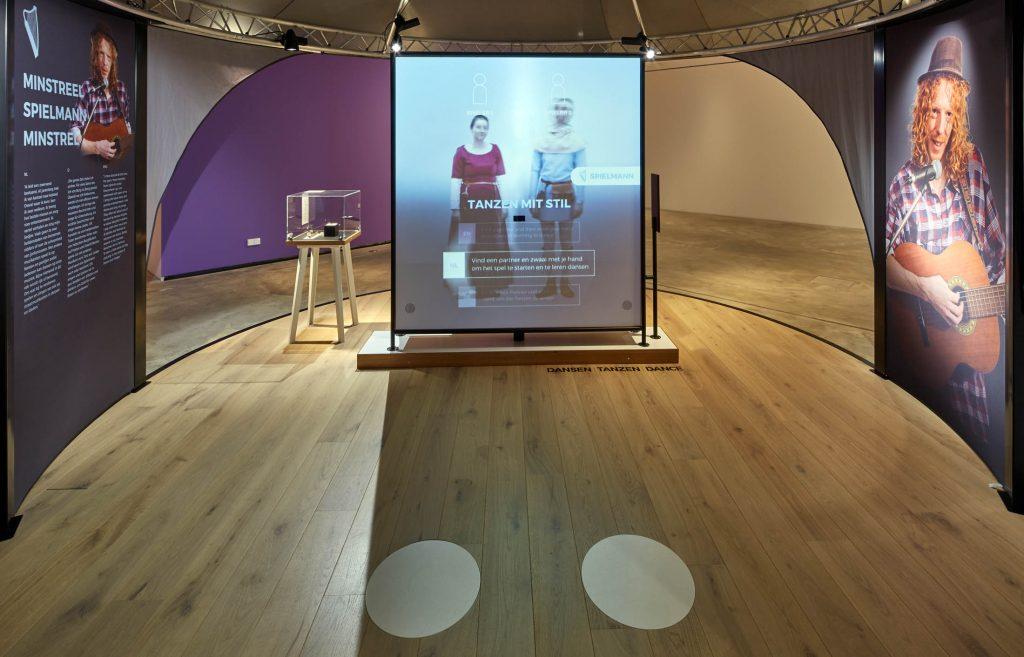 """Mittelalterlicher Tanz Mitmachausstellung """"Ritter und Burgen"""" LVR-Landesmuseum Bonn"""