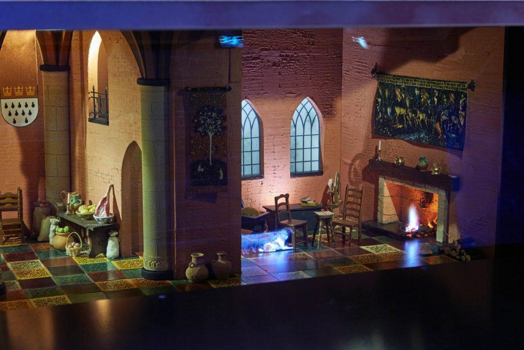 """Leben auf der Burg - Ausstellung """"Ritter und Burgen"""" im LVR-Landesmuseum Bonn"""