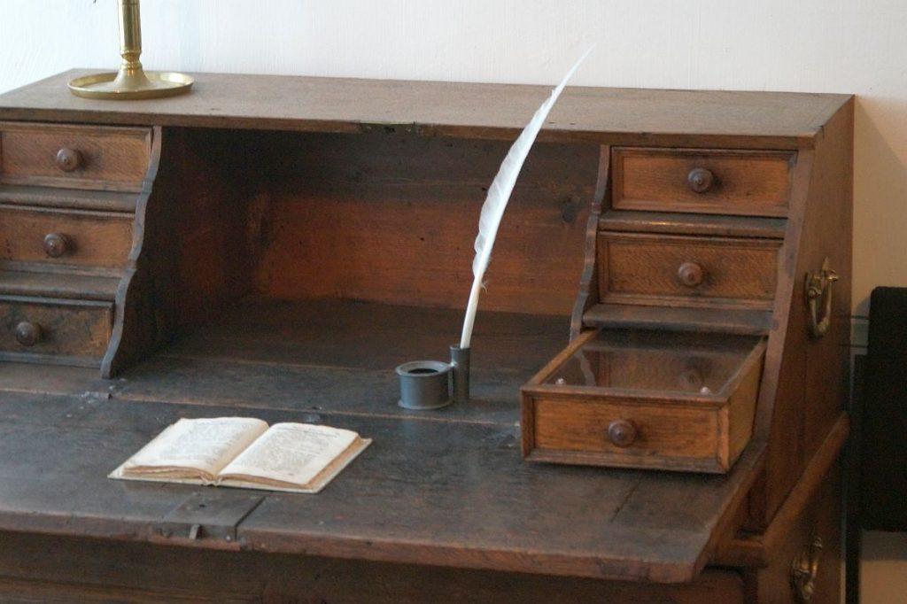 Schreibtisch - Jerusalemhaus Wetzlar
