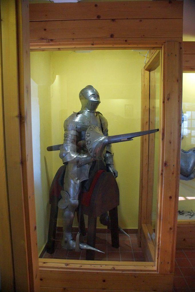 Ritterrüstung Museum Schloss Burg