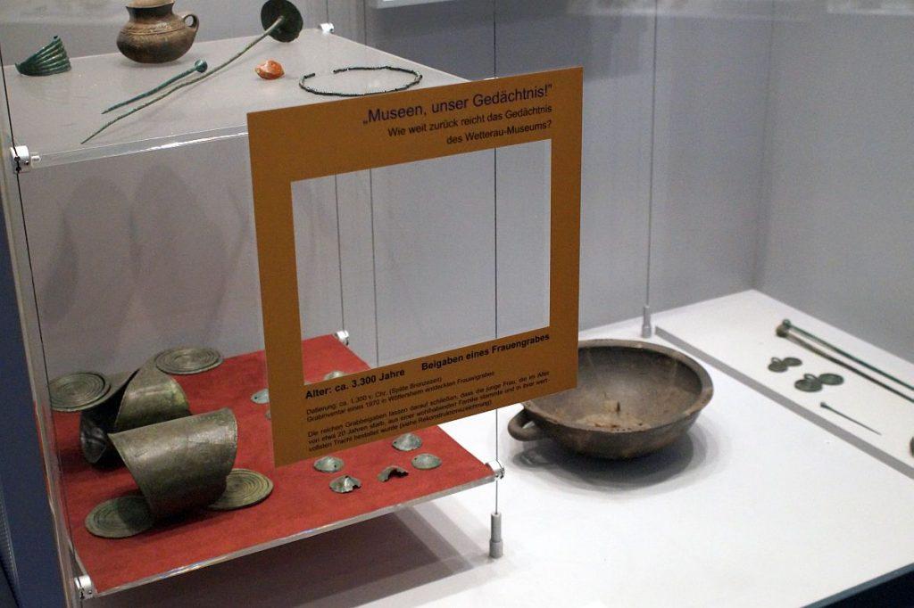 Beigaben Frauengrab Bronzezeit Wetterau-Museum Friedberg Hessen