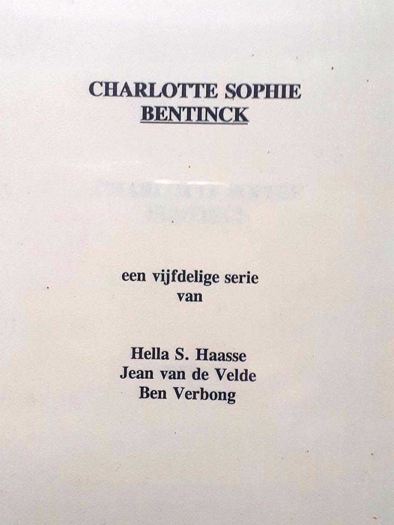 Drehbuch zur niederländischen Fernsehserie Charlotte Sophie Bentinck
